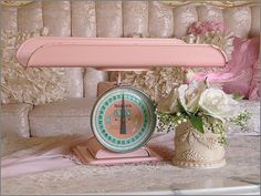 vintage baby scale...probably the coolest nursery item ever.