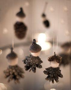 weihnachtsmarktkollektion 2012 christmas market collection 2012 - Beautifully made Noel Christmas, Diy Christmas Ornaments, Winter Christmas, Handmade Christmas, Christmas Decorations, Gnome Ornaments, Acorn Crafts, Pine Cone Crafts, Autumn Crafts