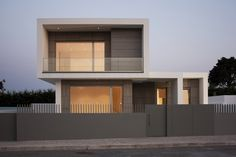 Image 1 of 18 from gallery of Paulo Rolo House / Inspazo Arquitectura. Photograph by Cátia Mingote Residential Architecture, Contemporary Architecture, Interior Architecture, House Front Design, Modern House Design, Modern Exterior, Exterior Design, Facade House, Design Case