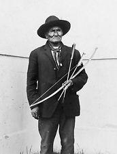 Geronimo 1904 St Louis World's Fair Photo Holding Bow Arrows Apache Indian Chief Native American Photos, Native American Tribes, Native American History, Apache Indian, Native Indian, The Spanish American War, Louisiana Purchase, Photo Print, World's Fair