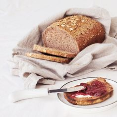 The Gluten-Free Bread Baking Course! Learn to make GF flatbreads, quick breads, yeasted breads + sourdough in the comfort of your own home! https://glutenfreebakingacademy.com/ #glutenfree #glutenfreebaking #glutenfreebread #wheatfree