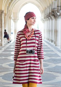 """Tunika """"Gondola"""" cotton, linen 88 cm long red and white, or black and… Fashion Now, Winter Fashion, Fashion Outfits, Gudrun, Colourful Outfits, Colorful Clothes, Linen Blouse, Dresses With Leggings, Beautiful Outfits"""