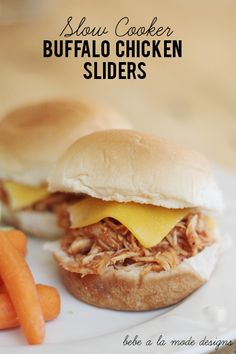 Slow Cooker Buffalo Chicken Sliders...perfect Super Bowl food! Recipe by bebe a la mode designs via 30 Days