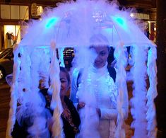 DIY Jellyfish Costume #Halloween _Costume #DIY #Halloween #HalloweenCostumes #Costumes