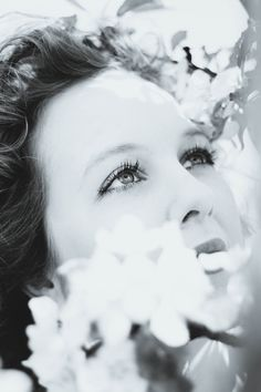 #portrait #blackandwhite #spring #appleblossom #womenphotography