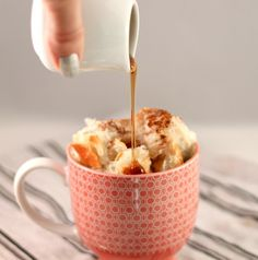 2-Minute French Toast in a Cup http://prudentbaby.com/2012/01/entertaining-food/2-minute-french-toast-in-a-cup/