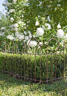 Installer des barrières champêtres   Fences, Gardens and Garden projects