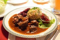 Pork Goulash, Dumplings, Beef, Ethnic Recipes, Food, Wikimedia Commons, Celebrity, Interesting Recipes, Brussels Sprouts