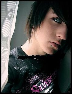 """Hot emo guy""  ... He has a name (a beautiful name) ❤ Alex Evans"