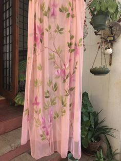 Hand Painted Dress, Hand Painted Fabric, Painted Clothes, Floral Paintings, Acrylic Paintings, One Stroke Painting, Fabric Painting, Punjabi Suits, Salwar Suits