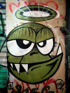 Unknown (Hmp?) - street art - Marseille 6, rue pastoret (aout 2014)
