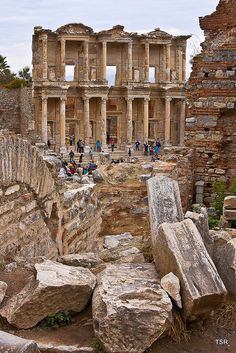 "This library of Celsus is an ancient Roman building in Ephesus, Anatolia, now part of Selçuk, Turkey Troy, the setting of ""Troilus and Cressida"" is a legendary city, infamous for the Trojan War. It is located in what is now Turkey #shakespeare #troy #turkey"
