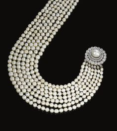 Important natural pearl and diamond necklace, circa 1880