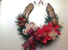 Horseshoe decoration.
