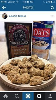 These Kodiak Cakes high protein cookies are made with Kodiak Cakes Power Cakes mix, dark chocolate chips and oats. Grab a box of Kodiak Cakes and try 'em! Protein Muffins, Protein Cake, Power Muffins, Protein Foods, Whey Protein, Protein Power, Healthy Protein, Eat Healthy, Healthy Life