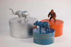 Use these animal storage boxes to organize your children's room in a fun and easy way!