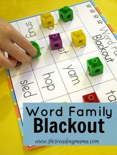Word Family Blackout {FREE} ~ features 21 common short vowel word family patterns  This Reading Mama