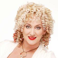 Hier vind je alles over Karin Bloemen. Bekijk haar leukste en beste video's, biografie, programma's en meer