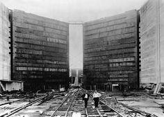 Construcción de las compuestas de las exclusas, Canal de Panamá