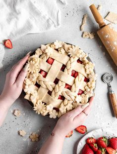 Lemon and Elderflower Cupcakes - Food Duchess Easy Strawberry Shortcake, Strawberry Pie, Caramel Pears, Cream Puff Recipe, Blueberry Juice, Pear Cake, Filling Food, Summer Treats, Recipes