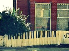 PiAnO KeYs!!! Way cooler than a regular old white-fence!