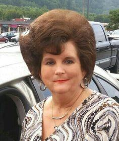 1960 Hairstyles, Vintage Hairstyles, Teased Hair, Beehive Hair, Fluffy Hair, Hairspray, Big Hair, Mom, Hair Styles
