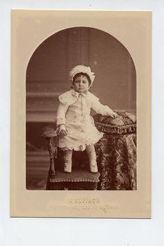 Alviach, M.: retrato de niño, formato cabinet 1880s.  Hesperus´ Collection