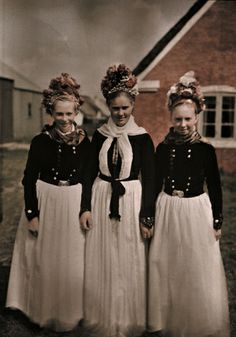 Autochrome: Gustav Heurlin. A bride and her maids wear the old costumes few else do today. Fano Island, Denmark. Between 1919 and 1931.