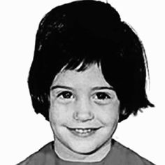 Courteney Cox Photos - *NO CANADA RIGHTS*.Yearbook photos and baby pictures of celebrities before they were famous. - Celebs Before They Were Famous Celebrities Then And Now, Young Celebrities, Celebs, Celebrity Yearbook Photos, Celebrity Pictures, Hollywood Pictures, Famous Pictures, Baby Pictures, Bruce Willis