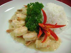 Camarão ao coco com arroz