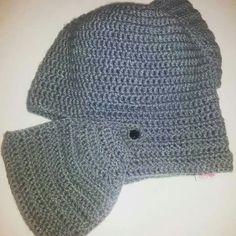 Gorro tejido a crochet modelo casco medieval A pedido Jenny tejidos