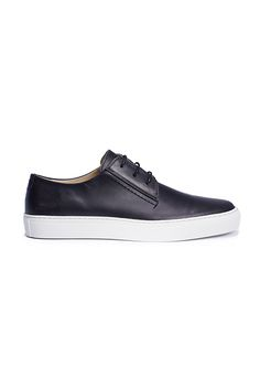 Shop Makia shoes for men at the official online store. Corner, Spring, Sneakers, Dress, Men, Clothes, Shoes, Style, Fashion