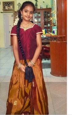 Desi Girl Selfie, Male To Female Transformation, Tamil Girls, Village Girl, Indian Girls Images, Hello Dear, Cute Girl Photo, Indian Bollywood, Half Saree