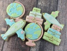 Trendy bridal shower cookies royal icing how to make ideas Tea Party Bridal Shower, Bridal Shower Rustic, Cupcakes, Cupcake Cookies, Cookie Money, Airplane Cookies, Bridal Shower Checklist, Travel Bridal Showers, Sugar Cookie Royal Icing