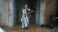 Marina Lys viele a archet au chateau de vincennes