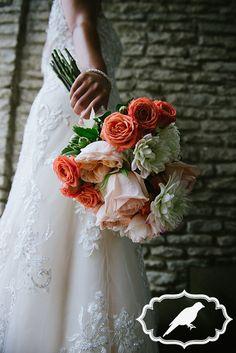Toledo Zoo Aquarium wedding with Bartz Viviano bouquet - Photos by Luckybird Photography