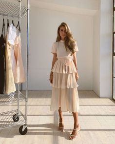 Fashion Dresses Love this pretty blush tiered midi dress. Modest Outfits, Classy Outfits, Modest Fashion, Dress Outfits, Fashion Dresses, Dress Up, Cute Outfits, Ruffle Dress, Elegant Outfit