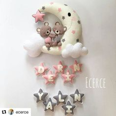 Login - Her Crochet Baby Crafts, Felt Crafts, Diy And Crafts, Baby Mobile Felt, Felt Baby, Felt Wreath, Felt Garland, Baby Kranz, Craft Projects