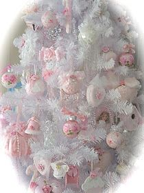 Ideas For Shabby Chic Christmas Tree Pink Pink Christmas Decorations, Pink Christmas Tree, Cottage Christmas, Shabby Chic Christmas, Victorian Christmas, Christmas Home, Christmas Ornaments, Xmas Tree, Shabby Chic Crafts