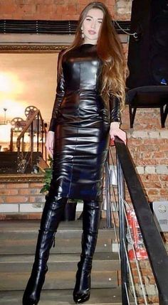 Leather Mini Dress, Black Leather Dresses, Leather Pants, Sexy Outfits, Fashion Outfits, Womens Fashion, Leather Catsuit, Vinyl Dress, Leder Outfits