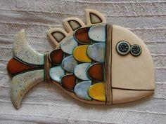 Фото Хроники – Makedonski-ceramics art – Pin's Page Hand Built Pottery, Slab Pottery, Pottery Houses, Ceramic Pottery, Pottery Animals, Ceramic Animals, Clay Wall Art, Clay Art, Ceramic Jewelry