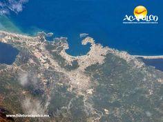 """#infoacapulco Hermosa imagen de Acapulco tomada desde la Estación Espacial. INFO ACAPULCO. Desde la Estación Espacial, el astronauta italiano Ignazio Magnani tomo una impresionante y hermosa fotografía del puerto de Acapulco, la cual compartió por medio de su Twitter con una bandera de México y con el mensaje """"¡Hola Acapulco!"""". Visita la página oficial de Fidetur Acapulco, para obtener más información."""