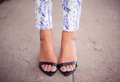 #sandals #jeans #closeup #streetstyle