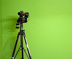 You don't need a film crew and a massive budget to add video to your inbound marketing strategy. Watch this video and read five quick-win tips. Inbound Marketing, Internet Marketing, Social Media Marketing, Digital Marketing, Chroma Key, Visualisation, Make A Video, Video News, Great Videos
