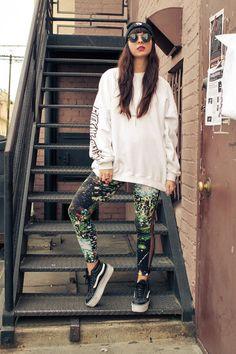 galaxy leggings & sk8-hi platforms