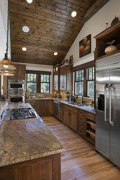 Rustic Kitchen Cabinets, Craftsman Kitchen, Primitive Kitchen, Narrow Kitchen, Craftsman Style, Big Kitchen, Kitchen Ideas, Kitchen Rustic, Cheap Kitchen