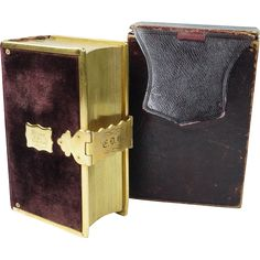 This is a top quality miniature Book Of Common Prayer (BOCP) offered in very good to excellent condition mainly due to the fact that it still remains within its original maroon slip case! Description from rubylane.com. I searched for this on bing.com/images