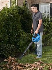 VBV1210 - With this convenient 2-in-1 tool, you get a powerful 5 peak HP wet/dry vac that converts to a 210 MPH leaf blower with an effortless press of a button. No more hassling with cumbersome latches and locks.