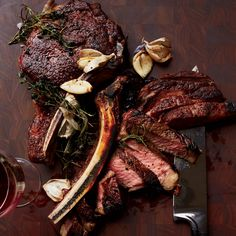 This sensational rib eye couldn't be simpler; the meat is basted with butter, garlic and herbs while it cooks in a skillet, making it especially luscious. Good Steak Recipes, Wine Recipes, Beef Recipes, Cooking Recipes, Cooking Ideas, Cooking 101, Skillet Recipes, Healthy Cooking, Cooking Time