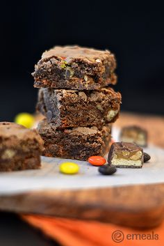How to use up leftover Halloween Candy. Delish Candy Brownies!